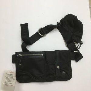 Lululemon Travel Pooch lll mini bag for dog